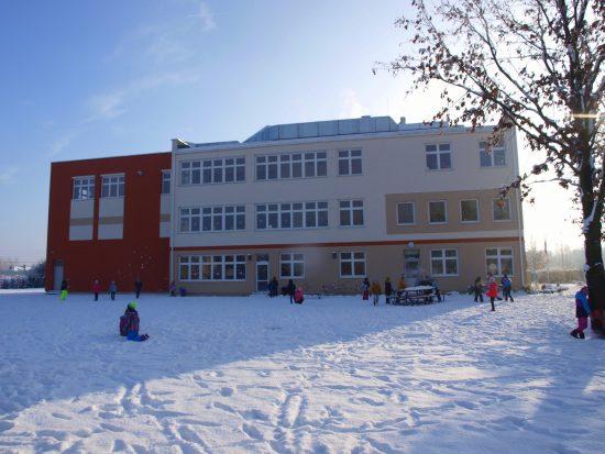 Szkoła Heliantus - Zima, Ogród, Boisko, Zabawa